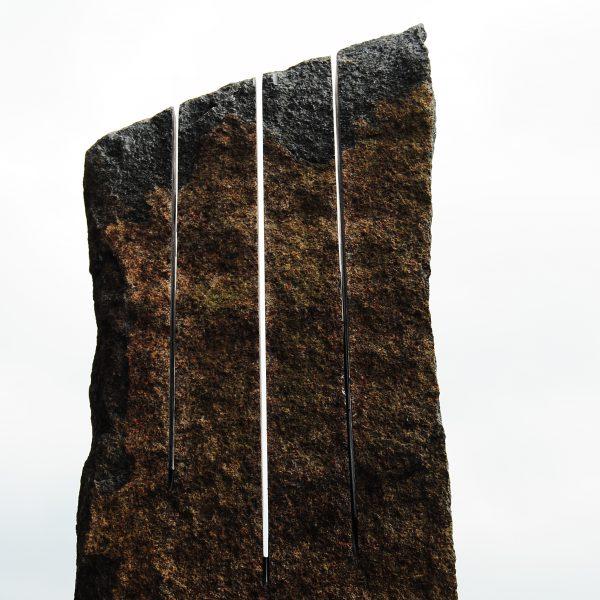 Soundstone I, 20 x 5 x 35 cm., Zwart Zweeds, 2017, Dit beeld is met de vingertoppen te bespelen, prijs op aanvraag.