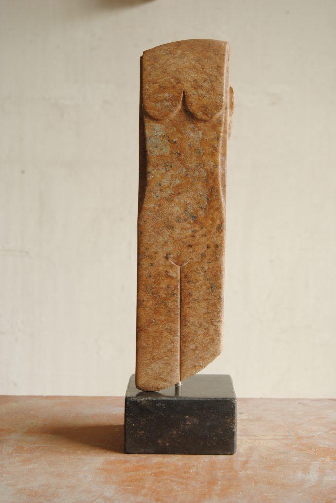 Cursus speksteen, cursus beeldhouwen, speksteen, serpentijn, albast, seleniet, onyx, gezelling beeldhouwen, beeldende kunst, steen kunst, steenhakken, steen hakken, hakken in steen, beeldhouwen in steen,