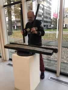 Niek Speelt de Soundstone in Rietveld paviljoen Amersfoort.